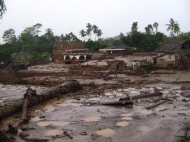 jember-panti-banjir-bandang-2